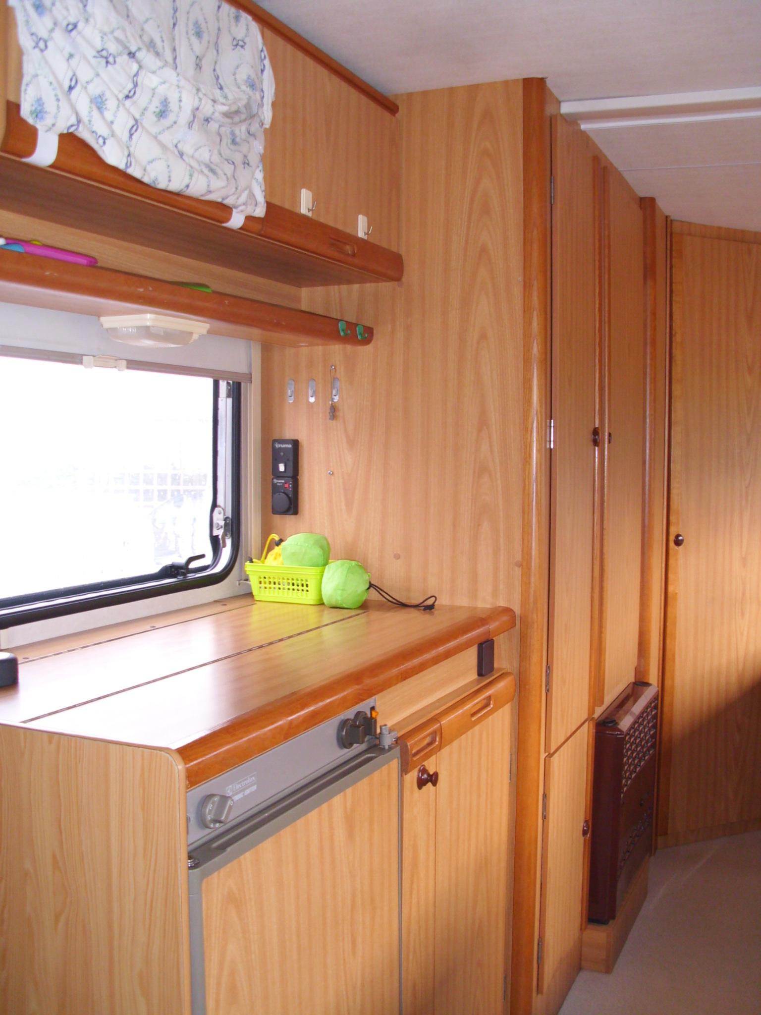 Lavaggio divani interno auto a carpi lavaggio interno for Tappezzeria prezzi